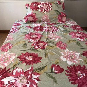 Pottery Barn Twin Size Green and Pink Floral Duvet